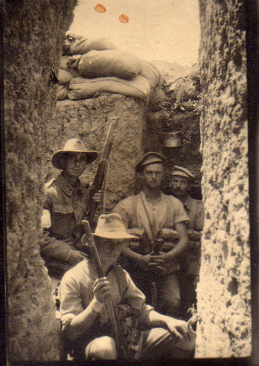 Photo of WWI soldiers in the trenches